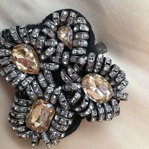 Brooch for hair or clothing